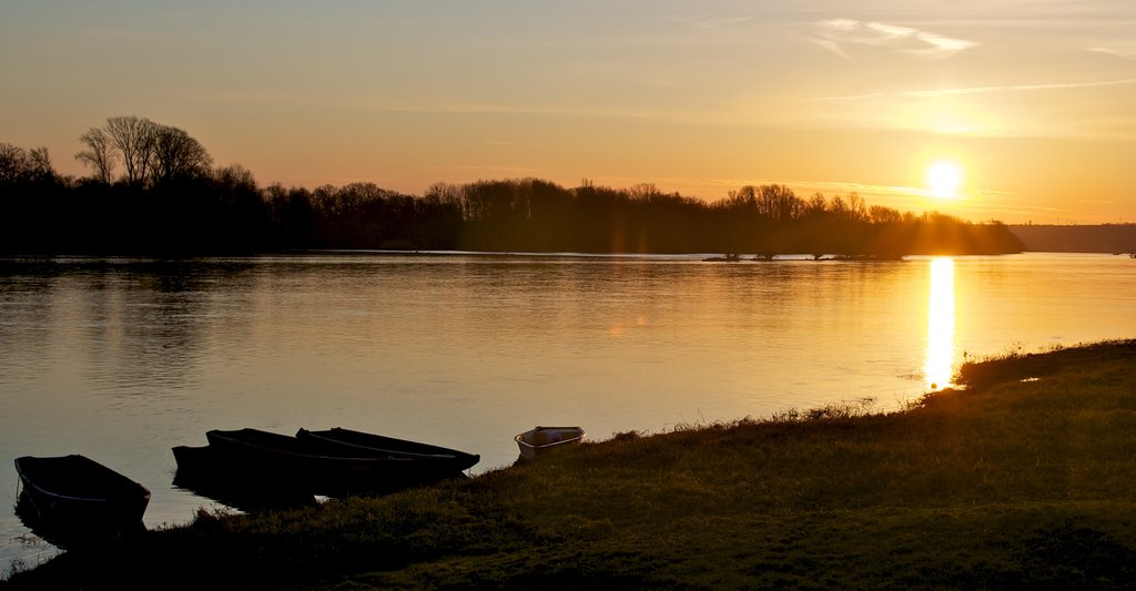 sunset_over_the_loire_river_by_jimbeam166-d4qx4ob